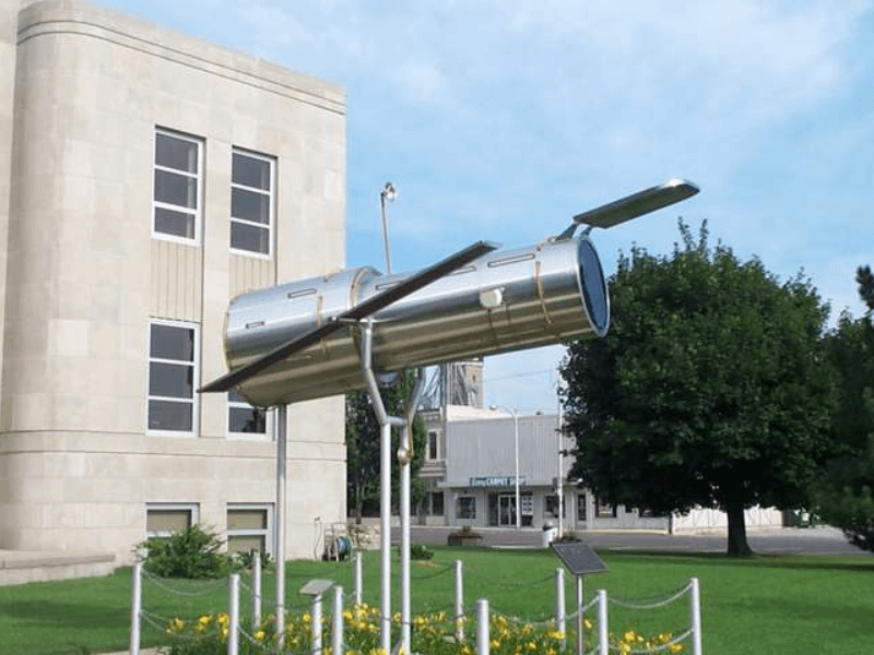 Hubble Telescope Replica - Historic Route 66 – Trip Planner