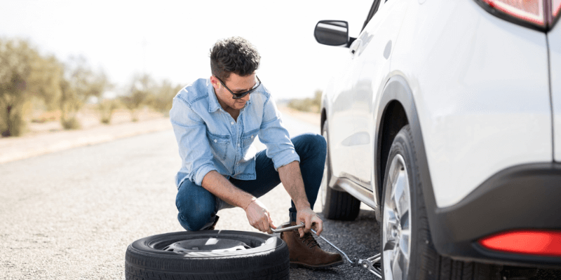 Replacing Car Tire - How Prepared Are You for Your Next Breakdown?